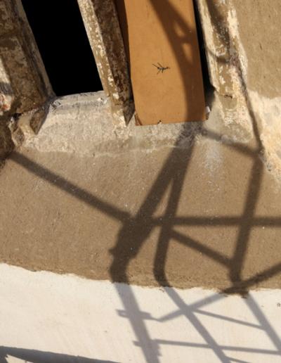 Spodná časť okna-exteriér-stav po hrubom vytmelení a príprave podkladu