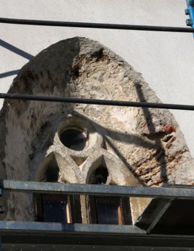 Horná časť okna-exteriér-stav po očistení